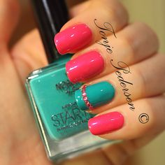 pink and teal nails<3 my fave colors!