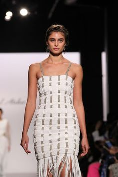 Picture of Taylor Marie Hill Hill Walking de1fb67a9334