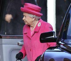 La reina Isabel II invita a la reflexión en su discurso navideño