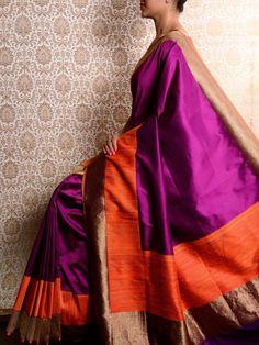 check out the pattern on the body -Purple Tanchoi Silk Saree Ethnic Sarees, Banarasi Sarees, Indian Sarees, Silk Sarees, Kalamkari Saree, Cotton Saree, Indian Attire, Indian Wear, Indian Dresses