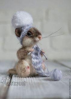 Cute, Soft, Cuddly And Funny Felt Animals' Art - Bored Art Needle Felted Animals, Felt Animals, Cute Baby Animals, Wet Felting, Needle Felting, Maus Illustration, Felt Mouse, Cute Mouse, Felt Art