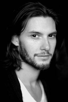 Ben Barnes... We don't care Dorian Gray, you'll be our Prince Caspian, forever...