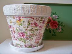 Mosaic flower pot | PIQUE ASSIETTE and MOSAICS
