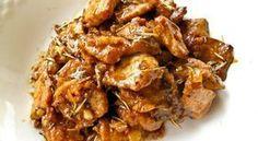 Χοιρινό με μουστάρδα, μέλι και μπύρα. Μια συνταγή για έναν ωραίο κρασομεζέ που με ρύζι ή πατάτες τηγανιτές γίνεται και πλήρες γεύμα. Υλικά συνταγής 1 κιλό μαλακό χοιρινό κομμένο σε καρέ [λαιμός χωρίς λίπος] 1-2 κρεμμύδια ψιλοκομμένα 2 σκελίδες σκόρδο ψιλοκομμένες (προαιρετικά) 1 φύλλο δάφνης λίγο δενδρολίβανο 3 κουταλιές της σούπας μουστάρδα 1/2 κουταλιά της … Greek Recipes, Pork Recipes, Cooking Recipes, Food Network Recipes, Food Processor Recipes, The Kitchen Food Network, Greek Cooking, Greek Dishes, Happy Foods