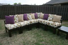 DIY Furniture : DIY Outdoor Sectional