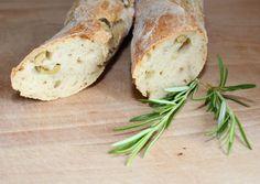 Chia-Samen und Brot, Oliven-Baguette, Rezept, Thermomix, Schnelles Baguette, Mehl T 65