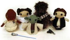 List of free Star Wars crochet patterns. Cute yoda beanie, too.