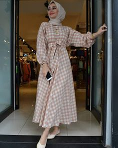 Hijab Fashion Summer, Modest Fashion Hijab, Modern Hijab Fashion, Muslim Women Fashion, Modesty Fashion, Hijab Fashion Inspiration, Hijab Style Dress, Fashion Outfits, Stylish Hijab