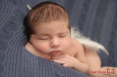 Quando o bebê só dorme no peito: entenda o que fazer. Acesse: http://mamaepratica.com.br/2015/10/15/quando-o-bebe-so-dorme-no-peito-entenda-o-que-fazer/