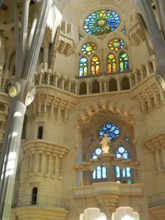 Interior de la Sagrada Familia, de Antonio Gaudí.