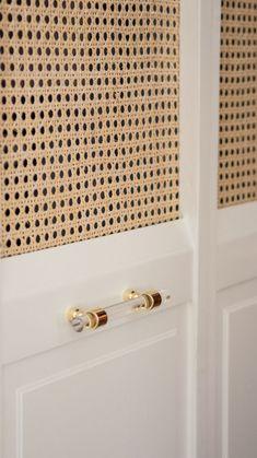 DIY Cane Closet Doors Diy Closet Doors, Wardrobe Doors, Alpine House, Diy Room Divider, Cane Furniture, Interior Design Tips, Design Ideas, Wood Slats, Diy Door