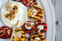 Make dessert sizzle with these easy grilled fruit recipes. An easy grilled fruit dessert perfect for any cookout: Grilled Peaches with Almond Mascarpone Dip Grilled Desserts, Grilled Fruit, Grilled Peaches, Just Desserts, Grilled Recipes, Dessert For Two, Dessert Dips, Fruit Dessert, Dessert Bowls