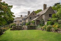 Coleton Fishacre was built as a country home for Rupert D'Oyly Carte and Lady Dorothy Carte in Kingswear in Devon in the Now owned by the National Trust. Art Deco Buildings, Vintage Travel Posters, Somerset, Hampshire, Devon, 1920s, Places To See, Craftsman, England