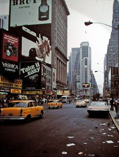 A Visual History of New York City Rue New York, New York City, Old Pictures, Old Photos, Vintage Photos, Vintage New York, Vintage Soul, Retro Vintage, City Aesthetic