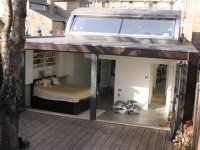 Peckham House seen on Channel 4 Grand Designs DVD with Kevin McCloud, project of the experimental house built by Monty Ravenscroft with glass sliding roof Hidden House, House Built, Tiny House, Bedroom Images, Bedroom Themes, Bedroom Ideas, Houses Architecture, Underground Homes, Cabins
