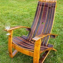 These free Adirondack chair plans will help you build a great looking chair in just a few hours, Build one yourself! Here are 18 adirondack chair diy Wine Barrel Chairs, Whiskey Barrel Furniture, Wine Barrels, Plans Chaise Adirondack, Adirondack Chairs, Rustic Chair, Rustic Furniture, Outdoor Furniture, Furniture Plans