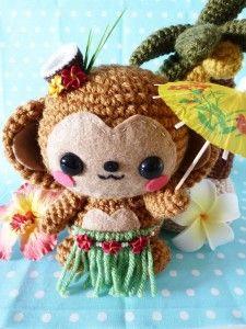 Let's get into the tropical mood with a Hawaiian monkey amigurumi!