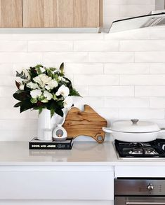 Beaumont Tiles on Our Agrestic White leaves an impression in time with its rustic charisma, making it the perfect splashback for Coastal or Country Chic Kitchen Marble, Kitchen Interior, White Subway Tile Kitchen, Kitchen Remodel, Kitchen Splashback Tiles, Kitchen, Beaumont Tiles, Home Kitchens, Kitchen Renovation