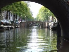 Prinsengracht in Amsterdam. The Prinsengracht runs parallel to the Keizersgracht. The canal is one of the four main canals of Amsterdam. The construction started in 1612 at the initiative of Mayor French Hendricksz. The part of the canal between the Leidsegracht and the river Amstel was constructed as part of the 1658 city expansion. Later the part east of the river Amstel was built and named Nieuwe Prinsengracht. Photo SERC. #amsterdam #historic #sites #prinsengracht