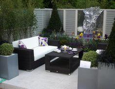 mobilier de jardin en résine tressée de design contemporain