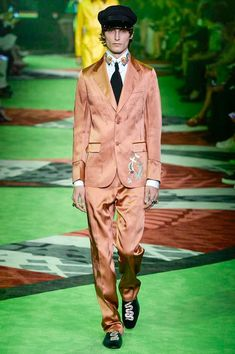 Gucci Spring 2017 Menswear Collection Photos - Vogue