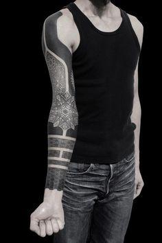 KENJI ALUCKY, tattoo artist