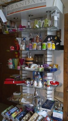 Se sei interessato ai nostri articoli contattaci a labottegasnc@libero.it.  Abbiamo già un negozio Ebay dove potrai acquistare gli articoli che vedi e se qualcosa non è ancora presente sul catalogo online la metteremo per te! La Bottega - Negozio Articoli da regalo, liste nozze, bomboniere, accessori per la cucina, cornici e tanto altro. Shop: http://www.ebay.it/usr/labottegaeliarinaldi Pagina Facebook: https://www.facebook.com/labottegalocorotondorinaldi/?ref=aymt_homepage_panel