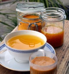CURCUMA E MIELE: POTENTE ANTIBIOTICO INVERNALE (turmeric + honey= effective antibiotic against winter decease)