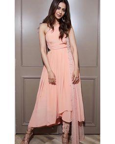 Rakul Preet Latest Photos and Stills Indian Designer Outfits, Indian Outfits, Hot Actresses, Indian Actresses, Kurta Patterns, Most Beautiful Hollywood Actress, Western Dresses, Bollywood Actress, Bollywood Girls