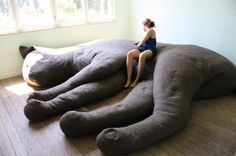r h i z o m i c o n: Giant Kitty Plush Couch  diy