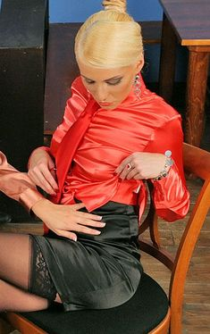 Sexy Blouse, Blouse And Skirt, Rock Outfits, Fashion Outfits, Secretary Outfits, Satin Pencil Skirt, Satin Bluse, All Jeans, Satin Shirt