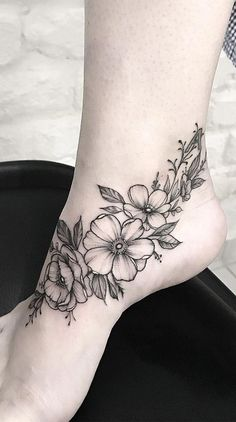 35 cool foot tattoos ideas for women 2019 – page 31 of 35 – BEAUTY ZONE X – … – foot tattoos for women flowers Top Tattoos, Head Tattoos, Body Art Tattoos, Girl Tattoos, Tattoos For Women Flowers, Foot Tattoos For Women, Foot Tattoos Girls, Foot Tatoos, Womens Ankle Tattoos