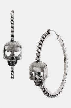 Betsey Johnson skull earrings<3