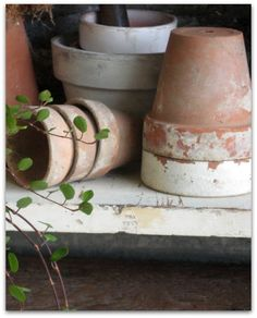 ♥ potting shed ♥ Potting Sheds, Potting Benches, Terracotta Plant Pots, Cute Diy Projects, Garden Pots, Garden Sheds, Garden Gear, Herb Garden, Clay Pots