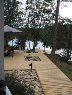 Lake Cottage, Garden Cottage, Lake Landscaping, Summer Cabins, Cottage Design, Terrace Garden, Cabin Homes, Cabins In The Woods, Garden Inspiration