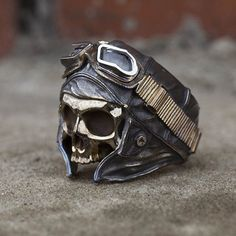 """EXCLUSIVE ring """"skull pilot """" for Liam Howlett."""