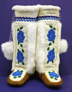 Moose Hide Moccasin Mukluks, made by a Tlicho, from Northwest Territories, Canada. Native Beadwork, Native American Beadwork, Native American Indians, Native Americans, Native Boots, Native American Clothing, Beaded Moccasins, Northwest Territories, Native Design