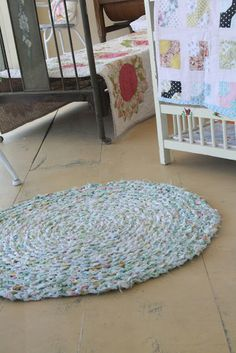 QUILT BARN: Crochet Rag Rug. I want to learn how to do this. :)