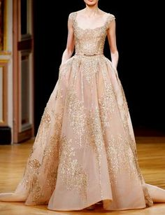 fashion-runways: Ziad Nakad at Couture Fall 2016 Wedding Evening Dresses, Prom Dresses, Formal Dresses, Wedding Dresses, Couture Fashion, Runway Fashion, Fall Fashion, Couture Dresses, Fashion Dresses