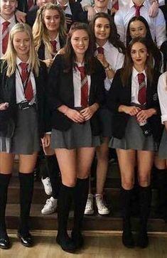 School Uniform Skirts, Cute School Uniforms, School Uniform Fashion, British School Uniform, All Girls School, School Girl Dress, Pantyhose Outfits, Cute Girl Outfits, Curvy Outfits