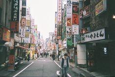 (@sanokazuki)「#新宿 #歌舞伎町 #繁華街 #写ルンです」
