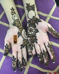 425 Likes, 2 Comments - designer_henna_نقش حنة ( on . Arabic Bridal Mehndi Designs, Arabian Mehndi Design, Khafif Mehndi Design, Mehndi Designs For Girls, Dulhan Mehndi Designs, Mehndi Design Pictures, Mehendi, Heena Design, Henna Mehndi