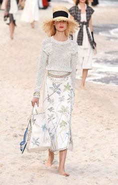 d7cd45ced57 What others are saying. hollister skirt. See more. Fashion fall 2019 trends  women 29+ new ideas Fashion Ideas, Fall Fashion Trends,