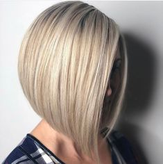 Straight Medium Length Hairstyles for Women to Look Attractive - - Straight Medium Length Hairstyles For Women To Look Attractive; Middle Parted Medium Straight Hair. Haircuts For Fine Hair, Short Bob Hairstyles, Straight Haircuts, Blonde Hairstyles, Bob Haircuts, Medium Length Hair Straight, Mid Length Hair, Straight Cut, Very Short Hair