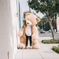 Mackenzie Schmutz Captures Stunning Photos of Her Giant Teddy Bear #inspiration #photography