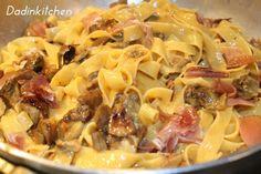 Tagliatelle speck porcini e crema di zucca Tasty Bites, Recipe For 4, Pasta Recipes, Pasta Salad, Italian Recipes, Macaroni And Cheese, Food Porn, Food And Drink, Favorite Recipes