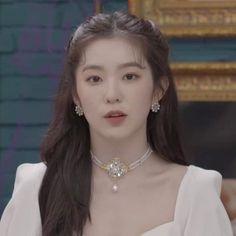 Seulgi, Red Velvet Irene, Beautiful Voice, Kpop Aesthetic, Material Girls, Ulzzang Girl, My Beauty, Me As A Girlfriend, Girl Crushes