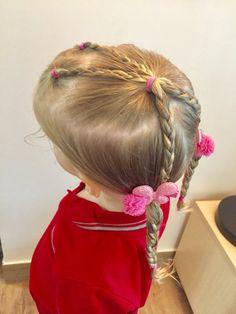 Coiffure facile pour petite fille : tresses cheveux partiel