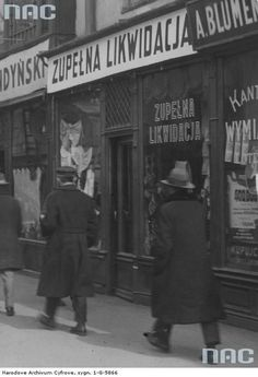 Witryny sklepów przy ul. Marszałkowskiej Poland, Ul, Barber, Lost, People, Vintage, Warsaw, Ignition Coil, People Illustration