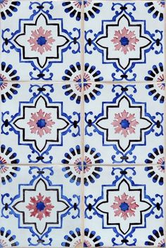 thetilesoflisbon:  The Tiles of Lisbon|Facebook|Blog © Pedro Vilaverde
